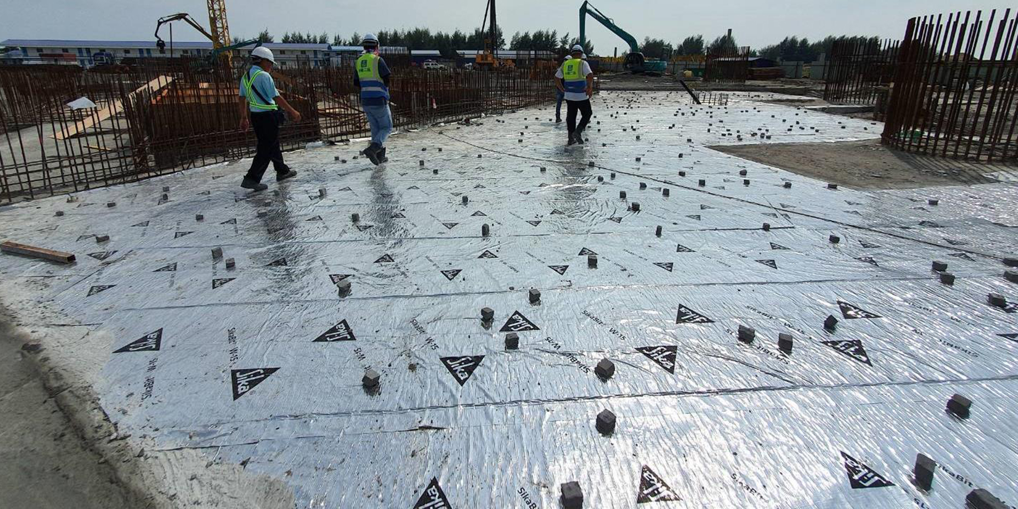 06-B 棟區域 防潮膜施工完成預備鋼筋綁紥